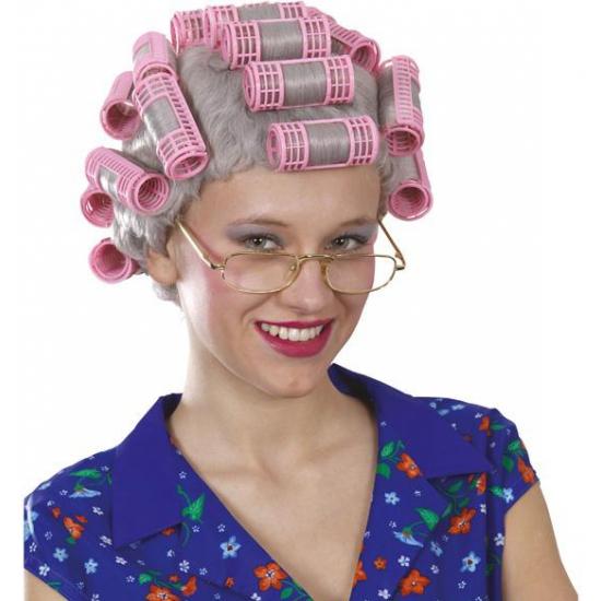Grijze pruik met roze krulspelden
