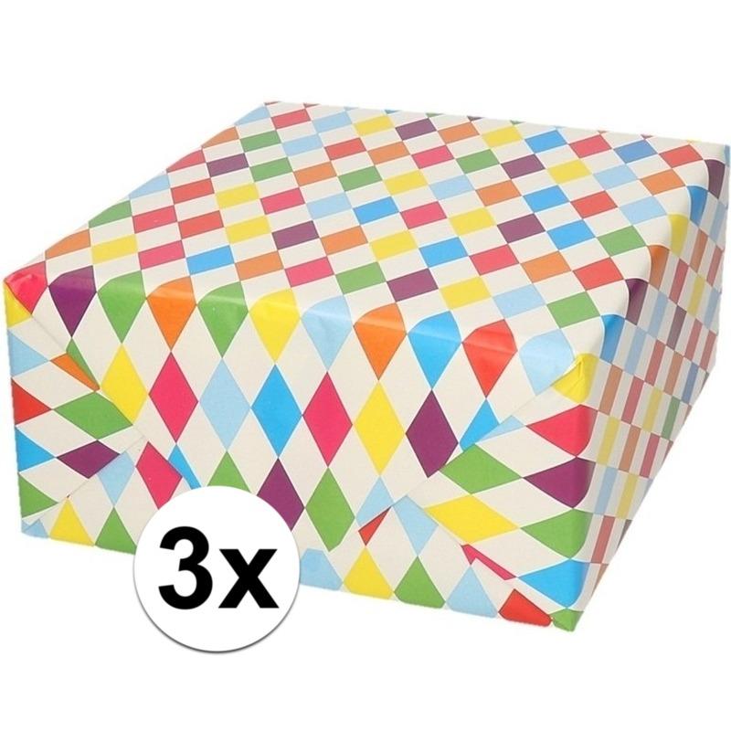 3x Verjaardagscadeau inpakpapier ruitjes 70 x 200 cm