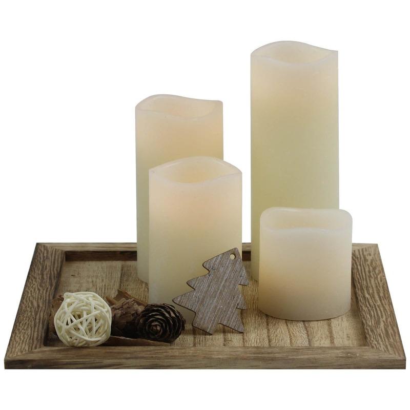 Kaarsen set met houten plateau en decoratie