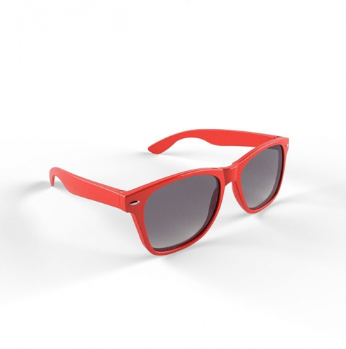 Trendy zonnebrillen rood